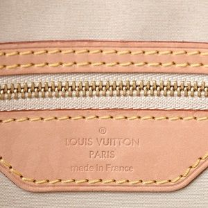 Louis Vuitton Bags - {Louis Vuitton} Corail Vernis Brea MM Bag